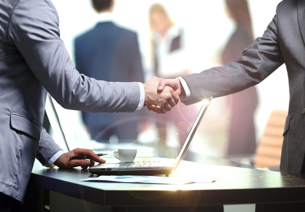 договоритесь с тематическими сообществами о партнерстве